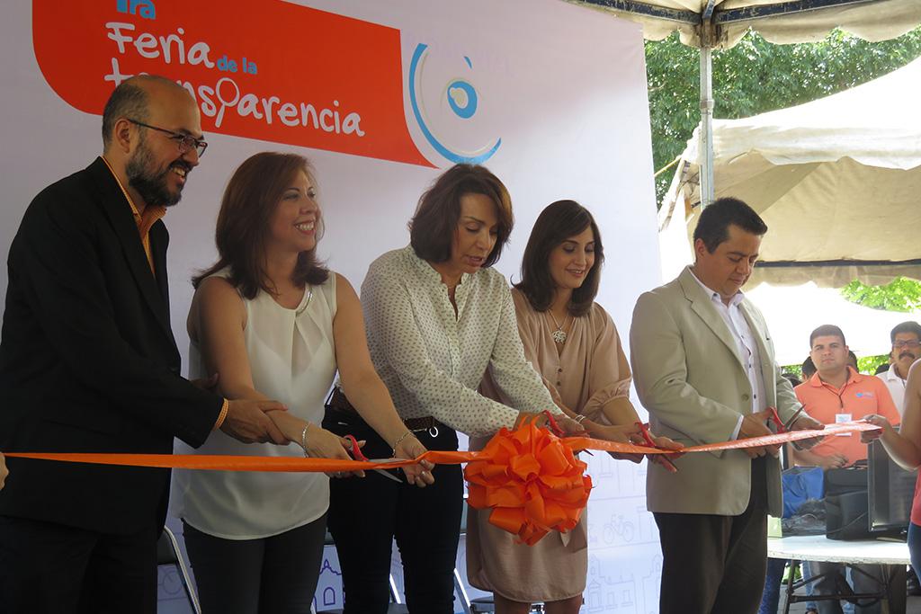 ITEI participa en Feria de la Transparencia en Tlaquepaque