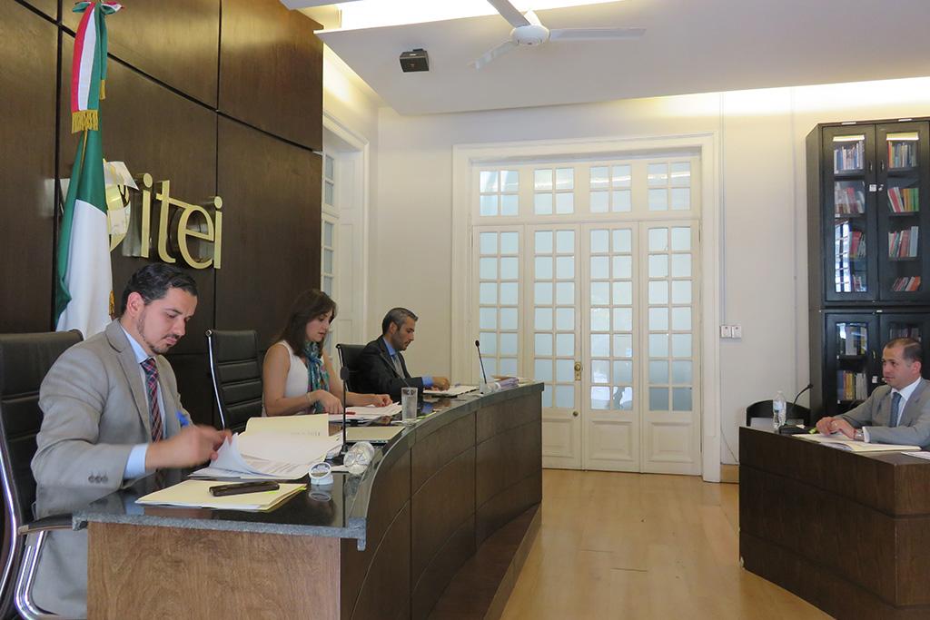 Multa ITEI a ex Alcalde y amonesta a dos presidentes en funciones