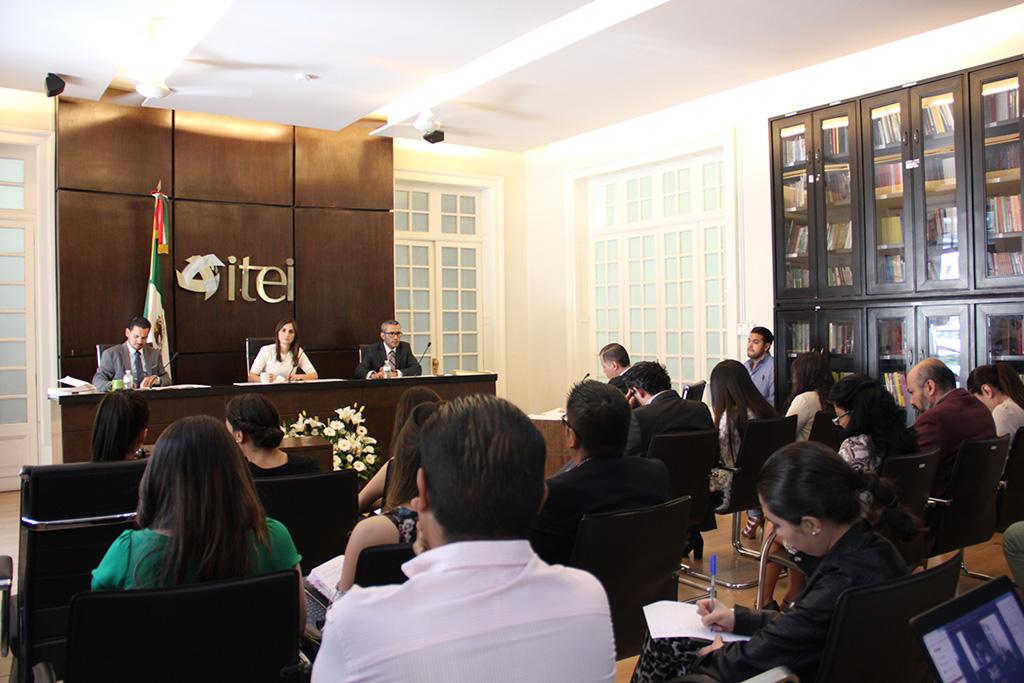 Amonesta Pleno del ITEI a dos alcaldes y titular de UTI