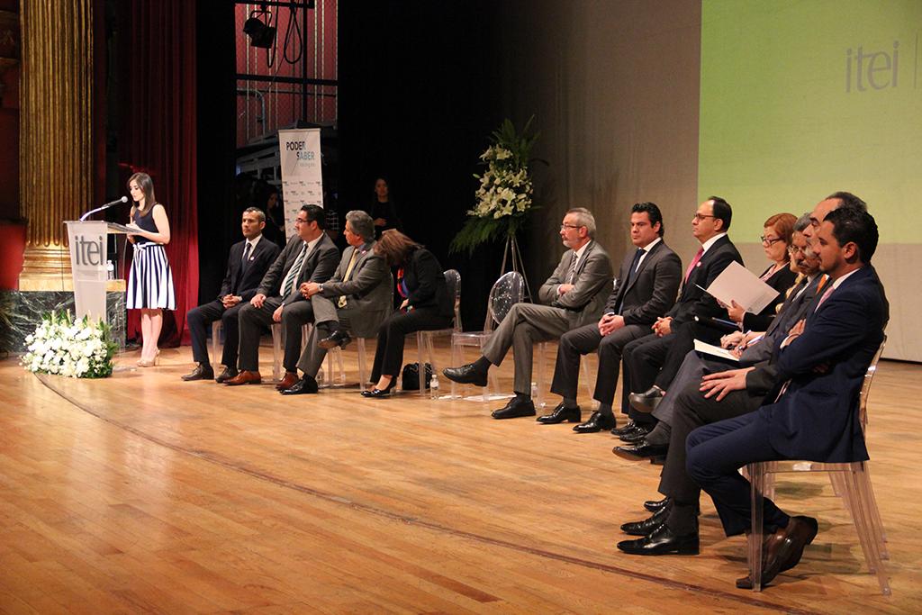 Celebran 12 años de Transparencia en el Teatro Degollado