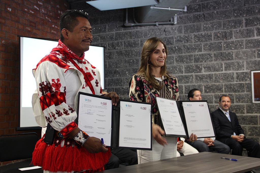 Conmemoran ITEI y Comisión Estatal Indígena Día Internacional de Pueblos Indígenas con firma de convenio