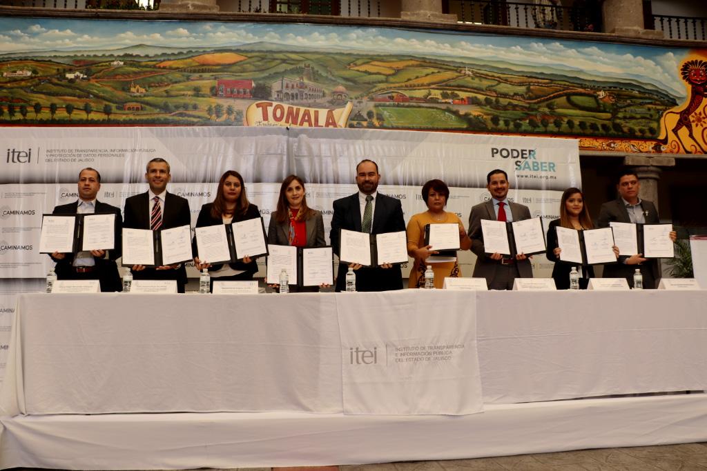 Ética, elemento central de la función pública: Cynthia Cantero en Firma de convenio con Tonalá