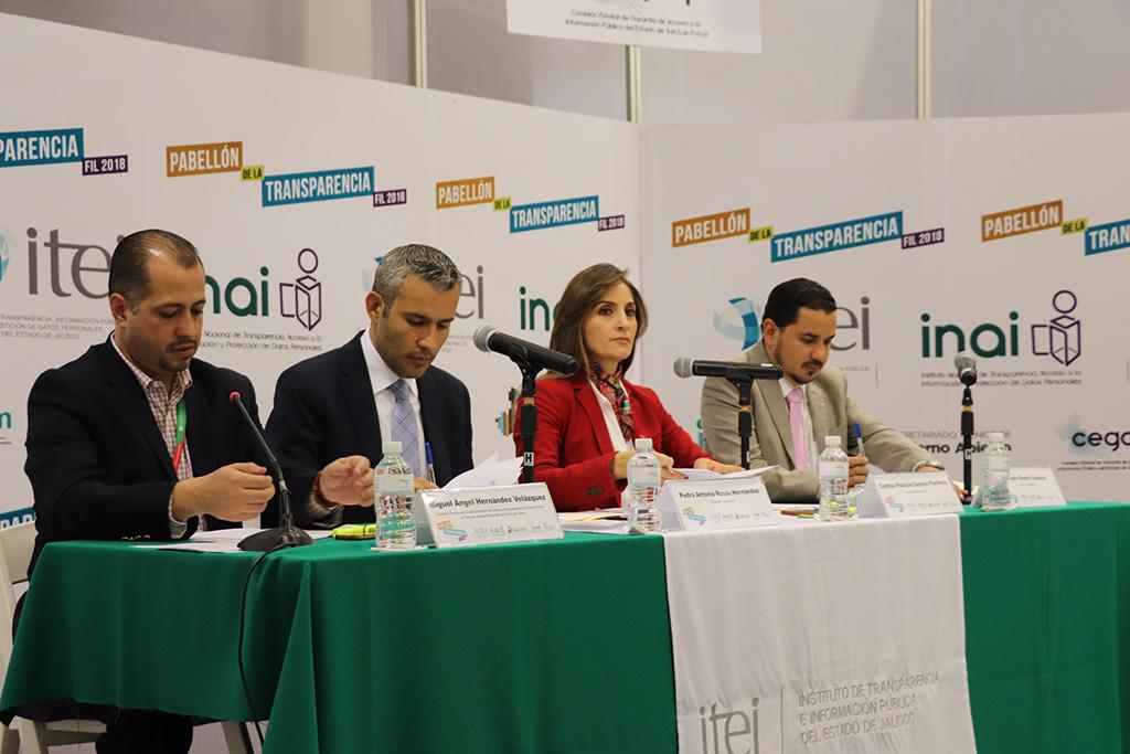 Pleno ITEI lleva a la Feria Internacional del Libro explicación de resoluciones