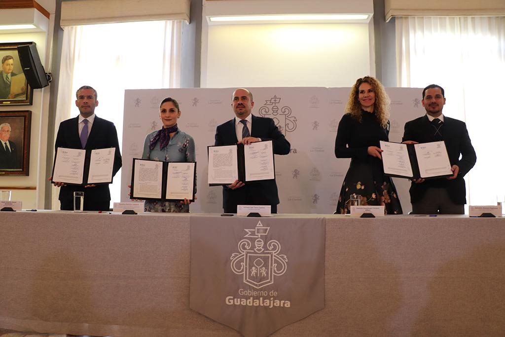 Celebran Día Internacional de Protección de Datos Personales con firma de convenio entre ITEI y Guadalajara