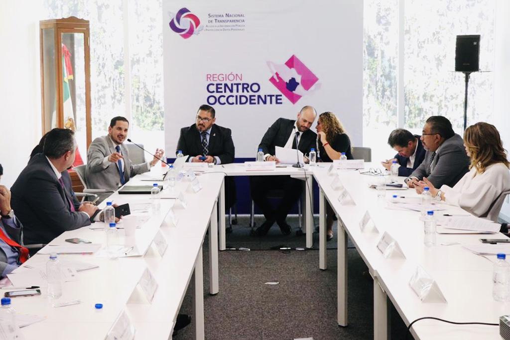 Propone Salvador Romero políticas para difusión de información pública en Redes Sociales en Internet
