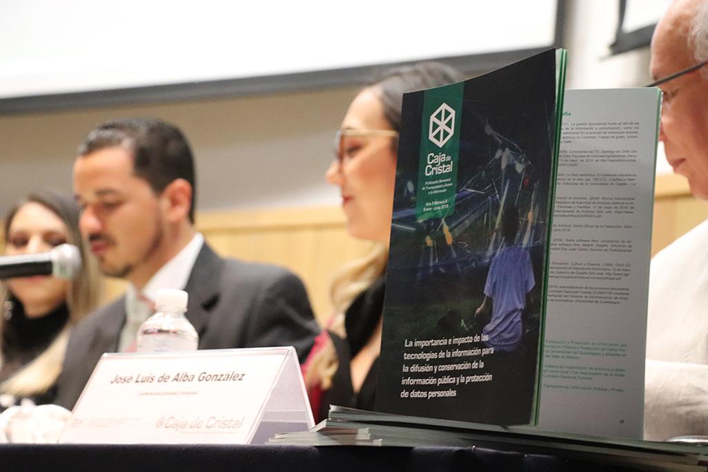 Presentan noveno número de Caja de Cristal, publicación semestral del ITEI con temas alusivos a tecnologías de información