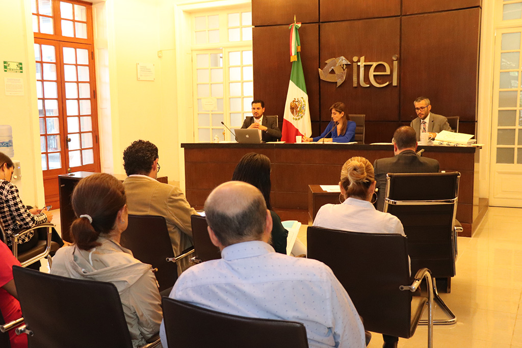 Aprueba Pleno del ITEI guía para Tratamiento de Datos Personales por parte de Sujetos Obligados, funcionaria fue multada por no atender observaciones