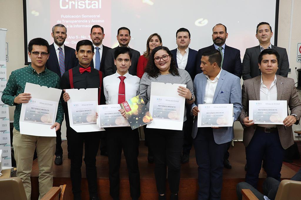 Presentan edición 10 de la revista Caja de Cristal, son publicados los mejores trabajos de Concurso de Ensayo Universitario